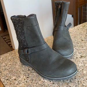 Eddie Bauer Zip Up Ankle Black Boots Size 6.5